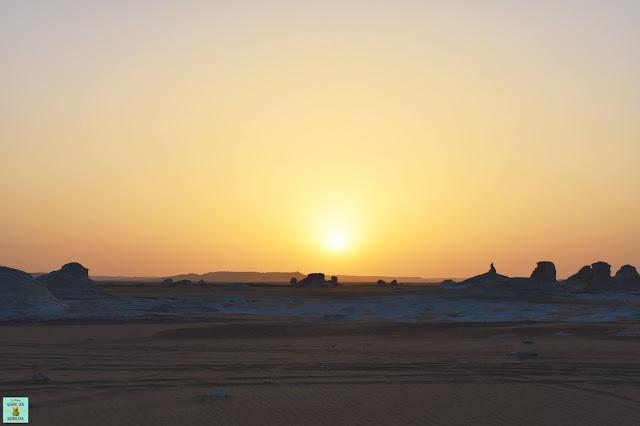 Atardecer en el Desierto Blanco de Egipto