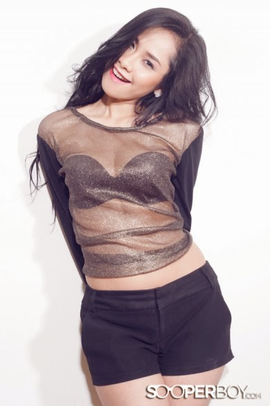 Alrina Sofia Sexy Lingeire Hitam di Majalah Sooperboy