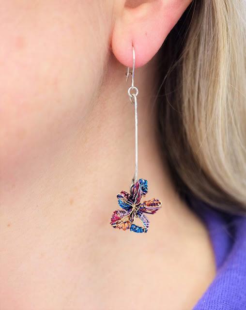 Contemporary jewelry, wire art flowers