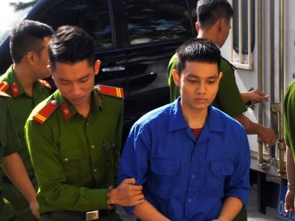 Cựu thiếu úy cảnh hủy hoại vợ chưa cưới bằng axit, chỉ bị phạt 6 năm tù thôi sao?