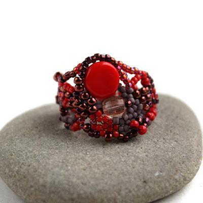 купить оригинальные женские кольца из бисера ручной работы россия