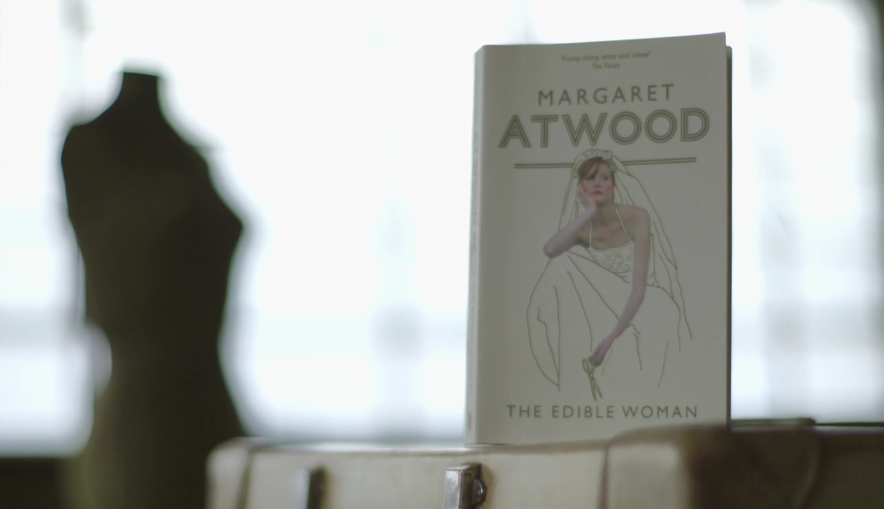 achieving personal identity in the edible woman by margaret atwood Marian's search for identity in margaret atwood's in the edible woman the novelist margaret atwood has presented the struggle and.