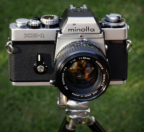MINOLTA XE body - YouTube