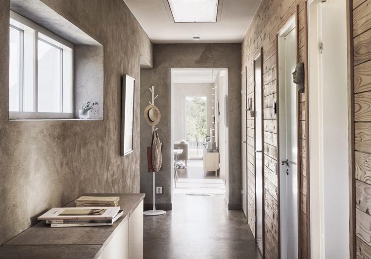 decorar-pasillo-zona-paso-puertas-madera-estilo-nordico-decoracion-nordica-perchero-