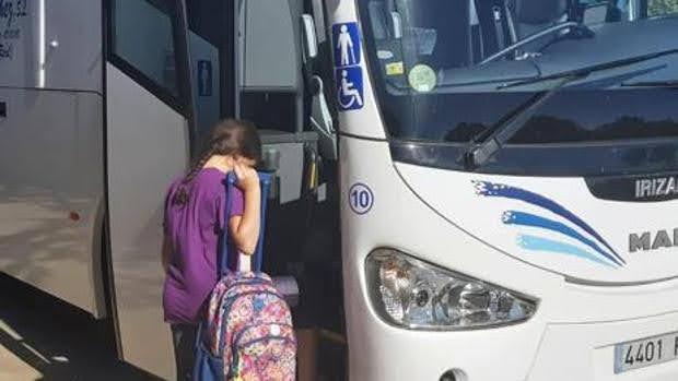 Transporte escolar. Horario y paradas. 2021/2022