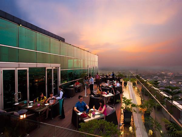lantai rooftop restoran