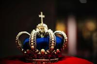 Crown Photo by Markus Spiske on Unsplash
