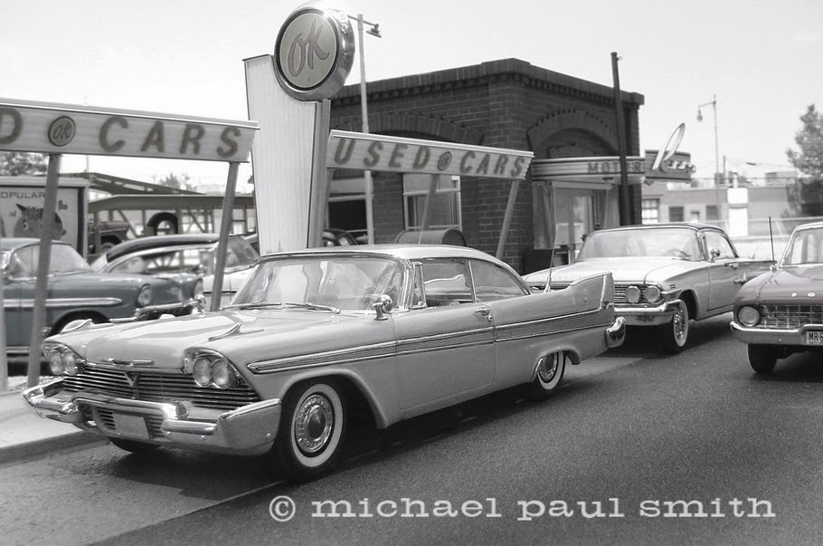 11-Late-Afternoon-Plymouth-Black-and-White-Model-World-1950s-Model-Maker-Michael-Paul-Smith-www-designstack-co