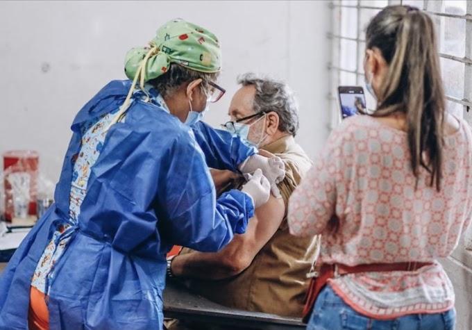 Mañana viernes y el sábado habrá vacunación para docentes mayores de 60 años en Villavicencio