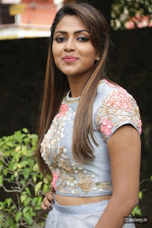Actress-Amala-Paul-Latest-Stills-at-Amma-Kanakku-Pressmeet