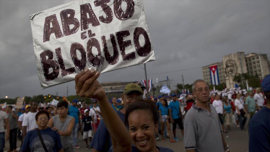 """El Partido Comunista utiliza el coronavirus para vendernos la """"solidaridad"""" del comunismo cubano y chino"""