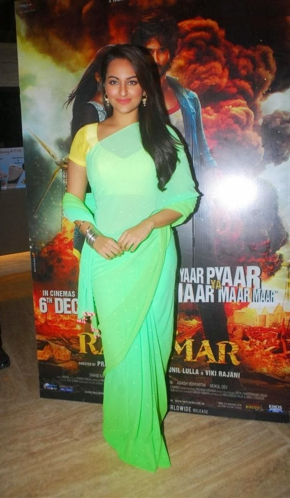 Sonakshi Sinha Hot Stills In Green Saree