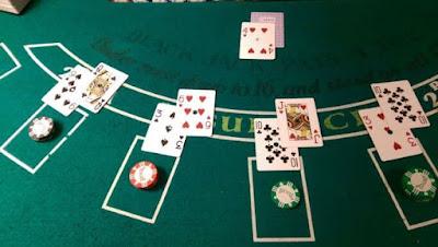Keuntungan Bermain Blackjack dengan Dua Tangan