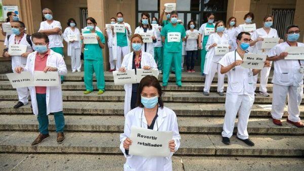 Sanitarios españoles protestan por malas condiciones laborales