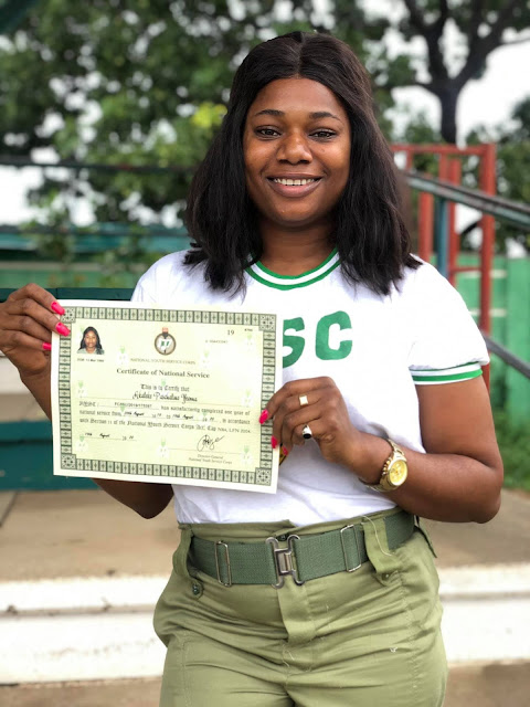 Lady%2Bbuys%2Bherself%2Ban%2BSUV%2Bto%2Bcelebrate%2Bpassing%2Bout%2Bof%2BNYSC - Woman buys herself an SUV to rejoice passing out of NYSC