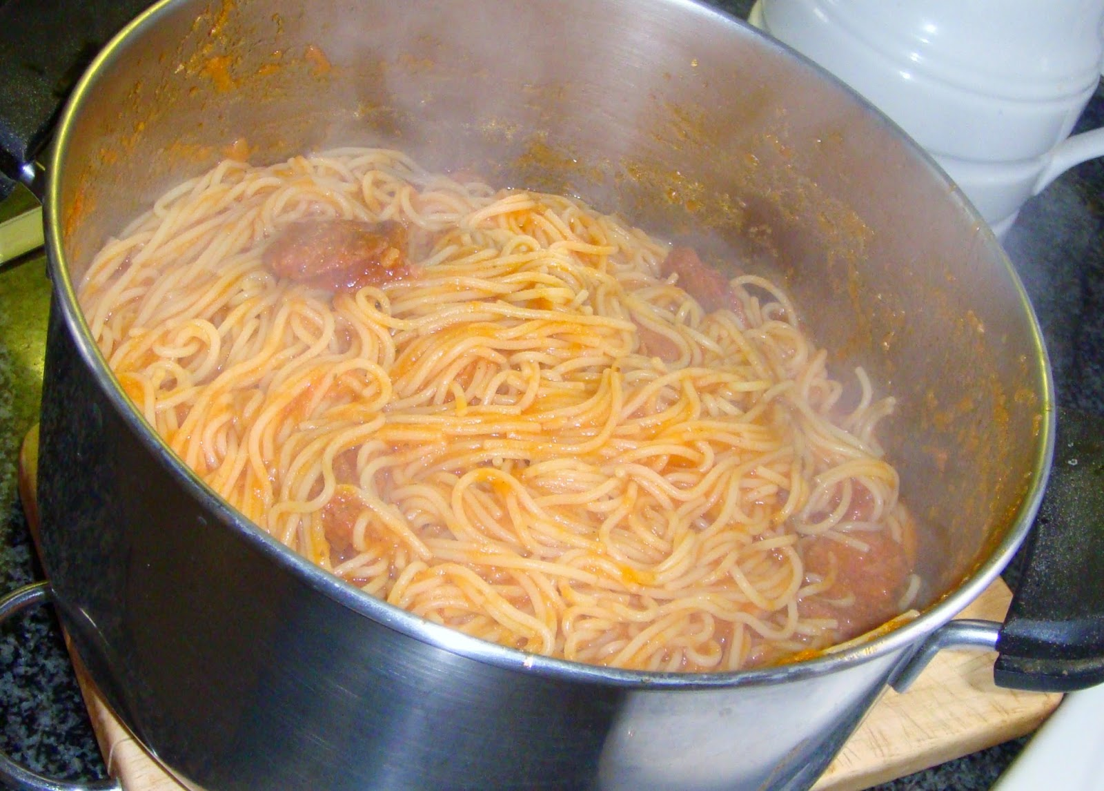 Mix sauce with the cooked spaghetti