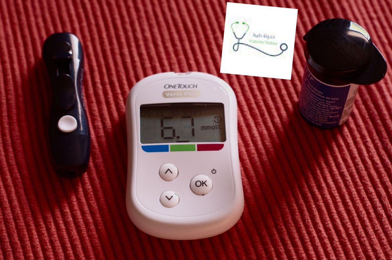 تحليل السكر باستخدام جهاز قياس السكر تحليل Hba1c حدوتة طبية