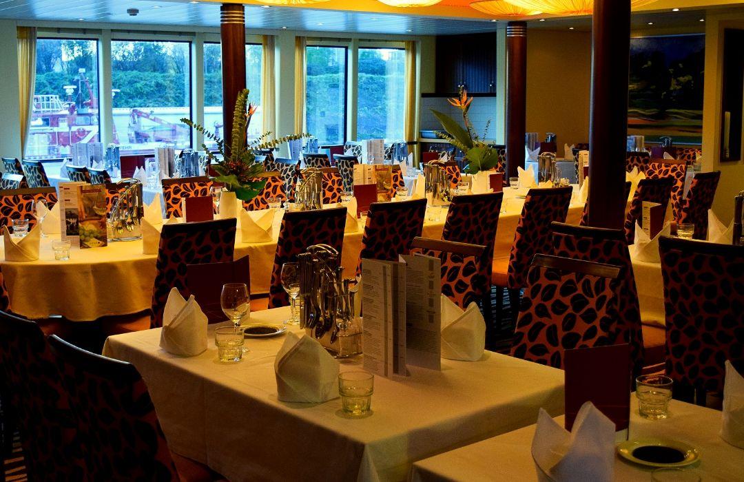 Rhein-Flusskreuzfahrt-Arosa-Restaurant