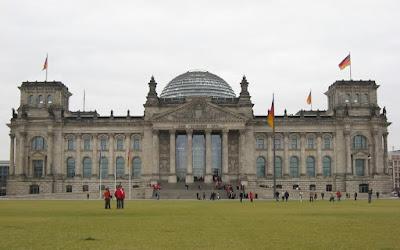 IFO institute: Τι συμβαίνει με τα πλεονάσματα της Γερμανίας…γιατί συγκεντρώνει πλούτο;