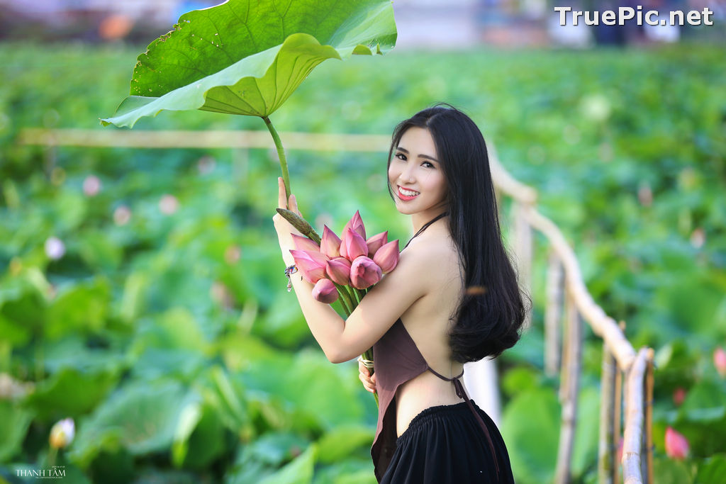 Image Vietnamese Model - Hong Rubyshi - Beauty Girl and Lotus Flower #1 - TruePic.net - Picture-1