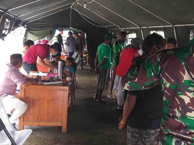 Tim Kesehatan Gabungan TNI Evakuasi Jenazah Bencana Banjir Bandang Sentani