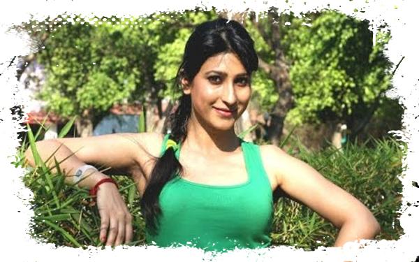 bhojpuri actress Urvashi Choudhary