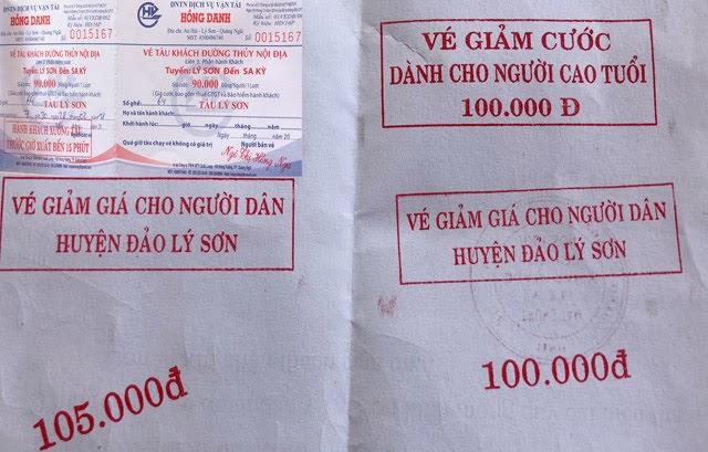 Vé dành cho du khách (ảnh nhỏ) và con dấu các mệnh giá để đóng thêm trên vé cho người dân đảo Lý Sơn.