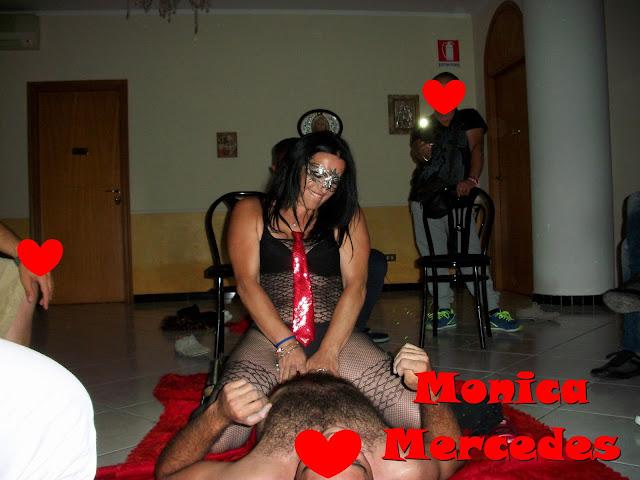 Monica Mercedes Spogliarellista e Sexy Star Animazione Feste Private e collaborazioni in Locali Notturni.
