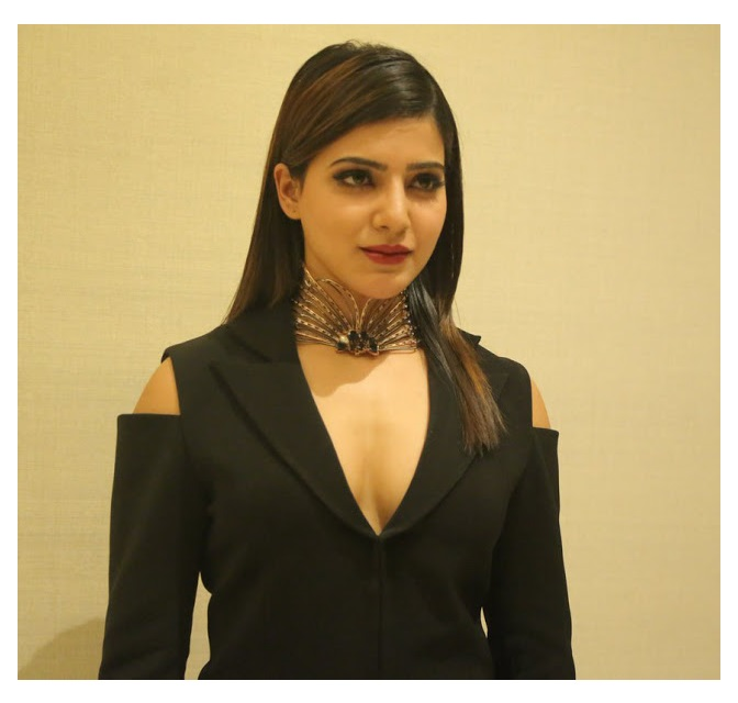 Samantha at Ritz South scope Lifestyle Awards 2016 hot boob show HD 3 - Samantha's sexiest 30 Hot Cleavage Photos-Seducing Images of her will blow your mind