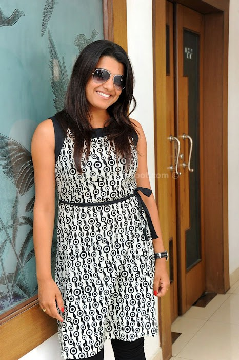 Actress tashu kaushik latest photos