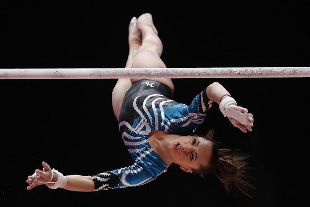 Larisa Iordache nas barras assimétricas dos Jogos Olímpicos Rio 2016