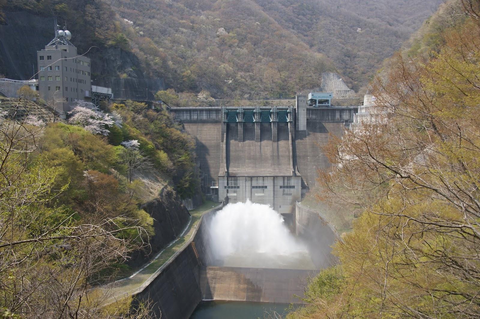 薗原ダムのバルブ放流を見に行っ...