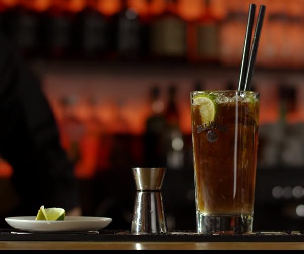 Τα πιο φημισμένα κοκτέιλ (Cocktail) που αρέσουν