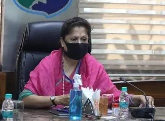 मंत्री यशोधरा राजे सिंधिया की अध्यक्षता में देवास जिले की समीक्षा बैठक