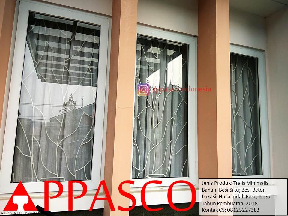 Teralis Minimalis Ornamen Besi Siku dan Beton di Nusa Indah Residence Bogor