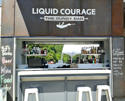 aj-hackett-kawarau-liquid-courage-bar