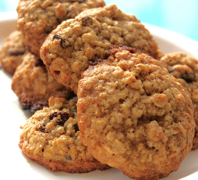 this is a healthy oatmeal cookie from the book Sly Moves the cookie is made with brown rice flour and healthy alternatives for Oatmeal cookie recipes