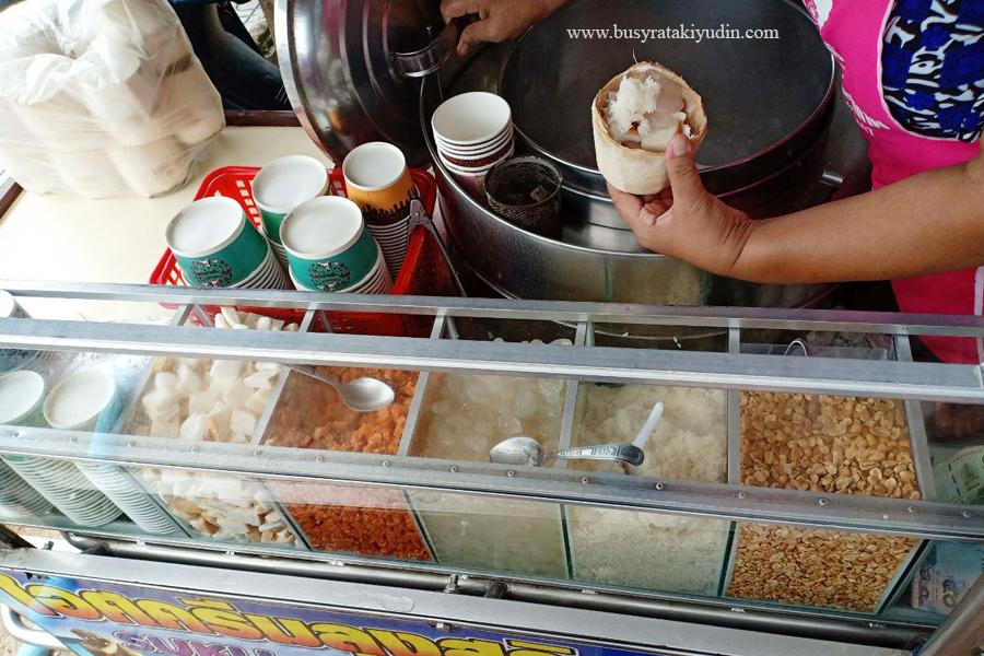 food review, travel, samila beach, ais krim kelapa, samila beach songkhla, jalan-jalan thailand, pantai samila,