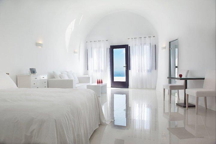 Luxury Resorts Santorini