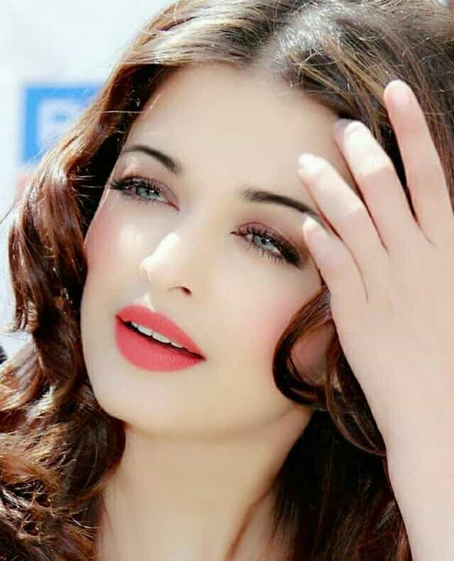 miss world Aishwarya Rai Photos, most beautiful girl, cuttest girl in the world, stunning actress
