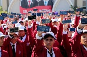 2.243 Maba UM Surabaya Berhasil Raih Rekor MURI dalam Inovasi Digital