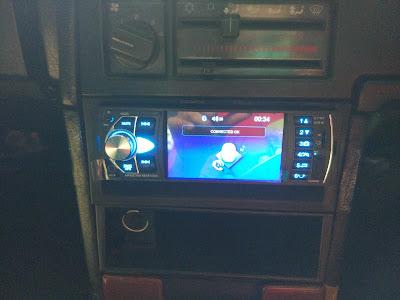 Tampilan Tape KKLUSB Model 4022D Terpasang Di Volvo 740 GLE