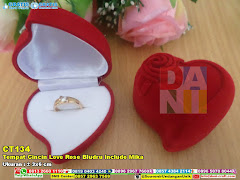 Tempat Cincin Love Rose Bludru Include Mika