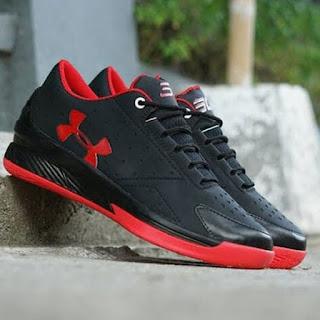 Sepatu Under Armour Hitam Merah