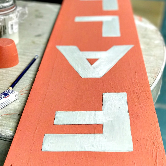 How to Paint a Vertical Fall Sign