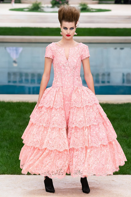 GORGEOUS CHANEL COUTURE