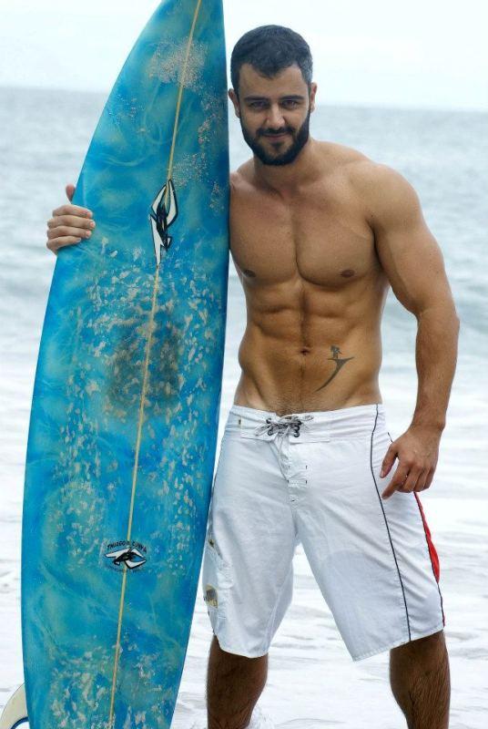 Sábio-Lopez-surfista-brasileiro-sarado-maduro-Boys-Na-Web (9)