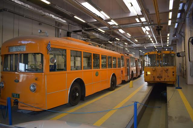 Με γνώμονα την ανάδειξη όλων των μορφών της ηλεκτροκίνησης και δη αυτών που διαμορφώνουν την αστική καθημερινότητα των πολιτών, το Carselectric.gr ξεκινά μια σειρά αφιερωμάτων, με πρώτο «σταθμό» τα τρόλεϊ ή αλλιώς τα ηλεκτροκίνητα λεωφορεία.