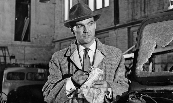 Stanley Baker as Inspector Martineau in Hell is a City