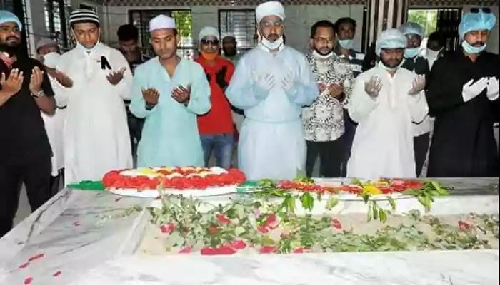 শহীদ আহসান উল্লাহ মাষ্টার এমপির মাজারে ফুল দিয়ে শ্রদ্ধা